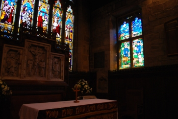 the stained glass window dedicated to children sent to countryside during the WW2, All Saints Church