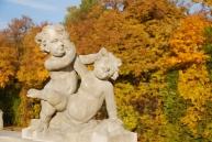 Peculiar statue... Wilanow